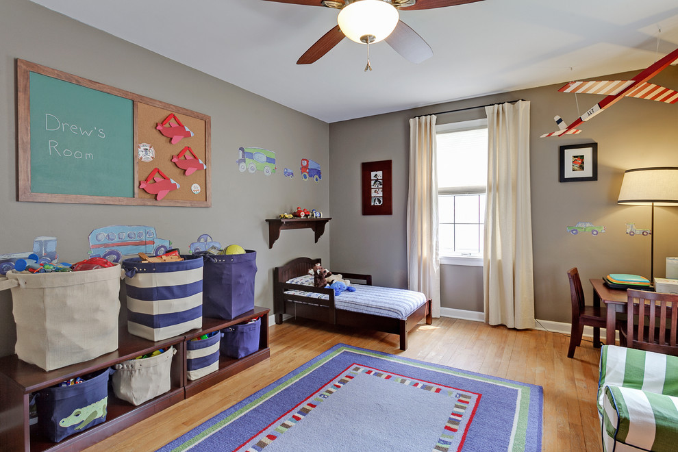 Kids' room - traditional kids' room idea in Columbus with gray walls
