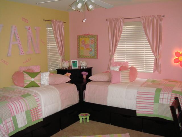 Twin girls room for Co ed kids bedroom ideas