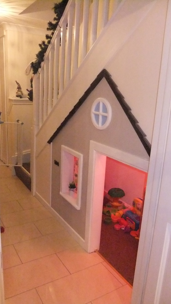 This is an example of a traditional kids' room in Dublin.