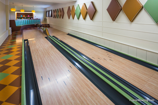 Vintage 1950s Equipment Restored For Retro Home Bowling