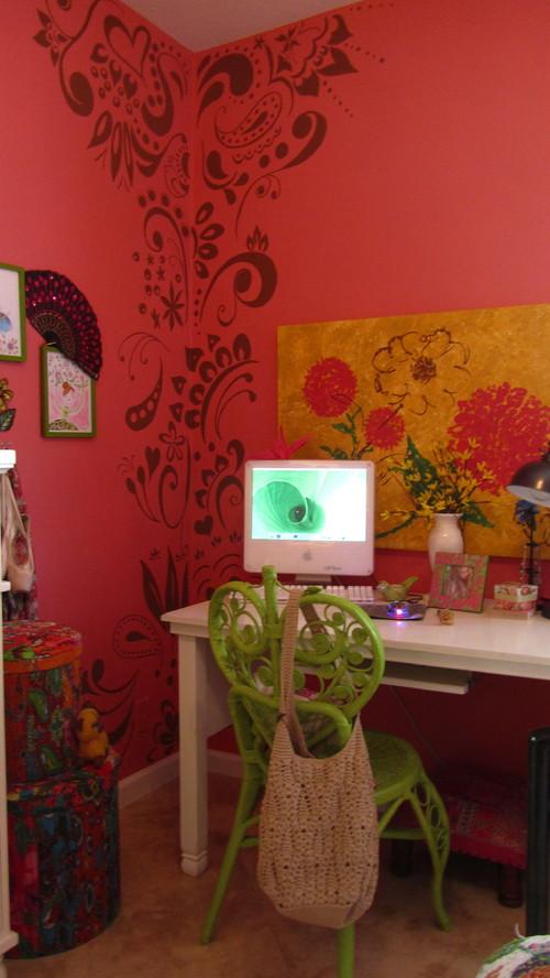 абстрактный узор в дизайне комнаты для девочки фото