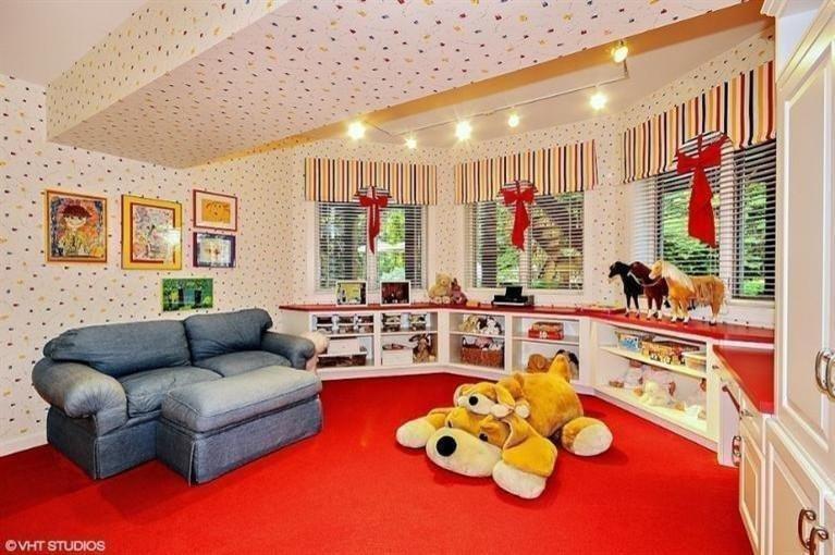 Whitethorne Lane Custom Home