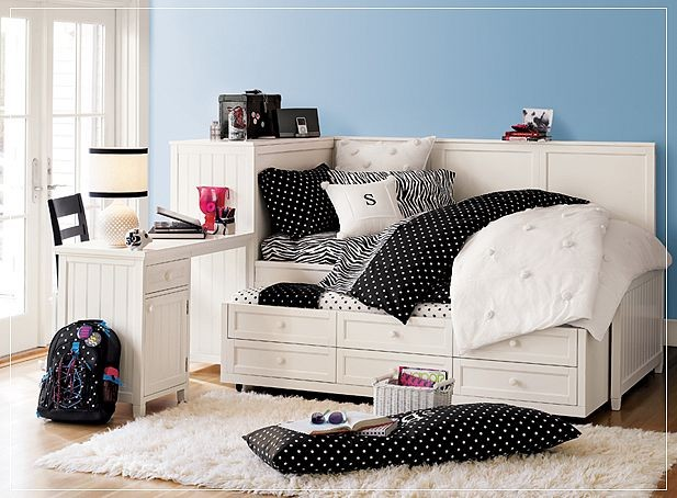 Zebra Beadboard Bedroom contemporary-kids