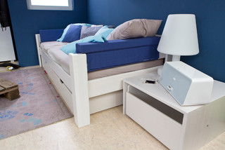 ein cooles jugendzimmer in wei modern kinderzimmer. Black Bedroom Furniture Sets. Home Design Ideas