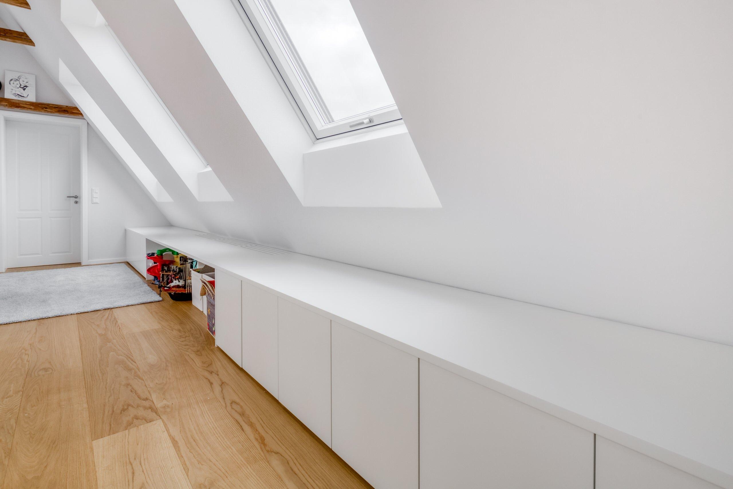 KHS89 - Einbauten Dachgeschoss Kniestock