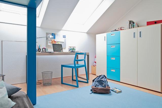Kinderzimmer Junge Kleiderschrank Dachschräge - Modern ...