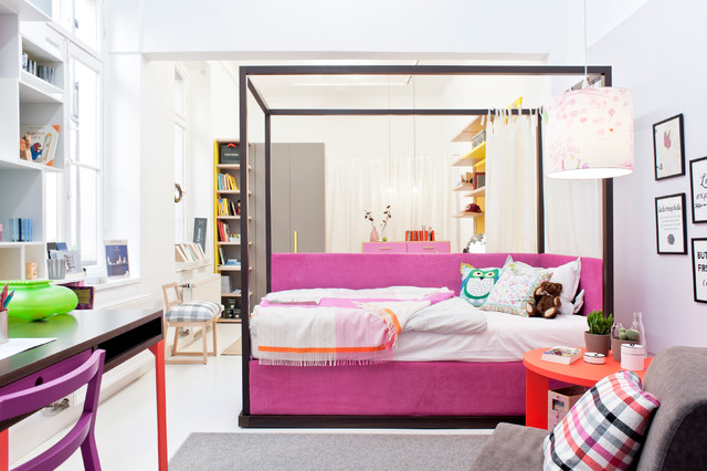 modernes himmelbett f r teenager jugendzimmer modern kinderzimmer d sseldorf von mobimio. Black Bedroom Furniture Sets. Home Design Ideas