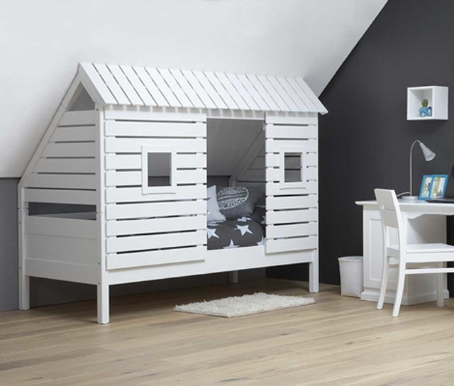 spielbett kinderbett roofus f r schr ge w nde. Black Bedroom Furniture Sets. Home Design Ideas