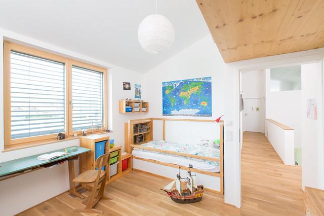Wohnhaus f r eine familie skandinavisch kinderzimmer for Aufbewahrungsideen kinderzimmer