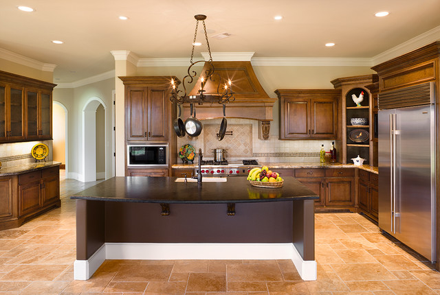 10406 Charter Lake traditional kitchen