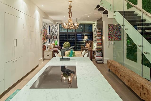 1095 royal york eclectic kitchen toronto by peter - Amenager une maison en longueur ...