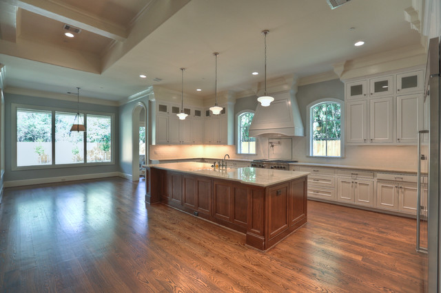Knippwood traditional kitchen