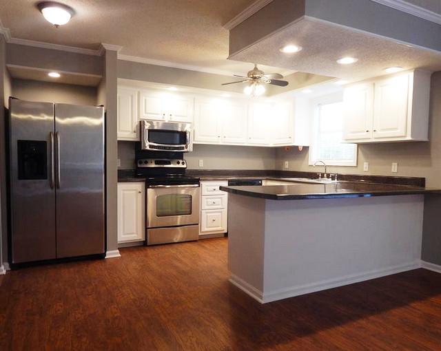 120 W Mountain Creek Church Road Greenville, SC 29609 $185,500 traditional-kitchen