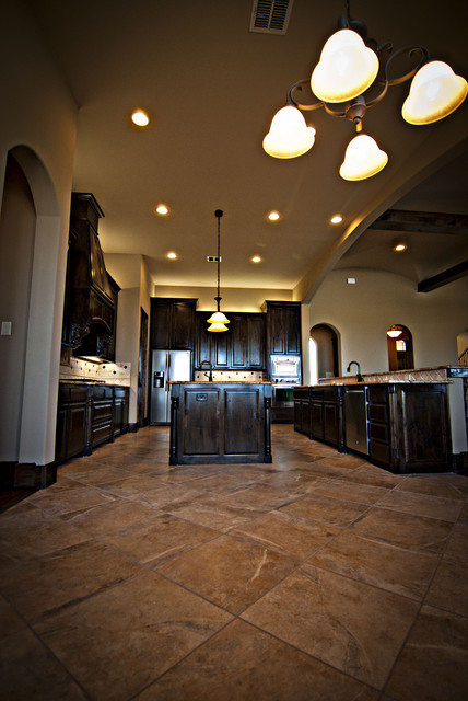 12051 Alysse traditional-kitchen