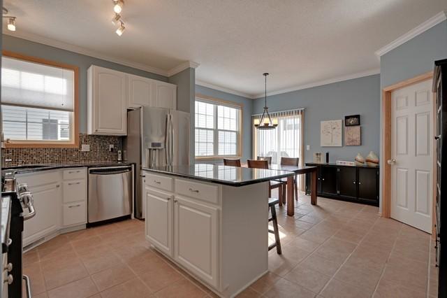 15742 Porchlight Lane traditional-kitchen