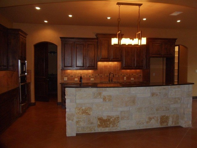 1690 CR 260 Georgetown traditional-kitchen