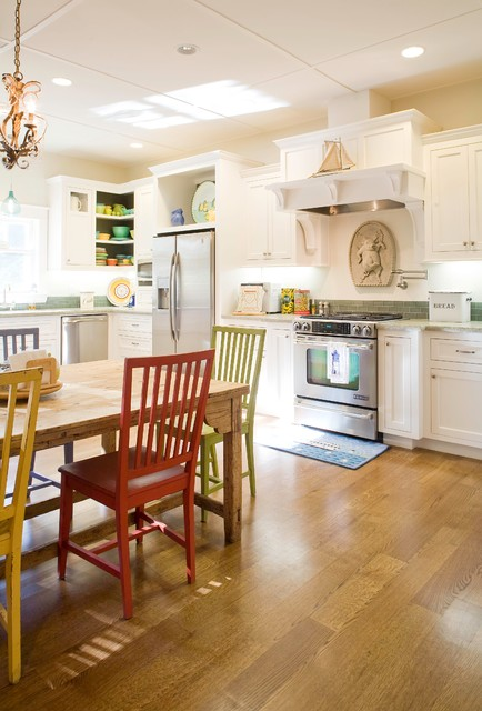 1890's Bungalow traditional-kitchen