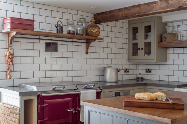 Lovely Farmhouse Kitchen by Sustainable Kitchens