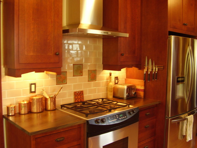 1910 Arts and Crafts home in S.E. Portland Oregon traditional-kitchen