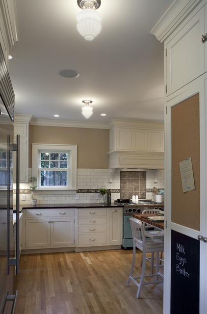 1920 Colonial Kitchen craftsman-kitchen