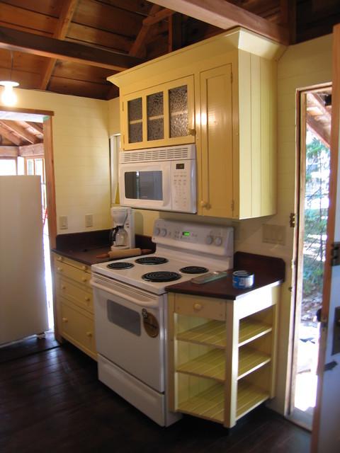 """1920 """"GRANNY'S COTTAGE"""" PERIOD KITCHEN beach-style-kitchen"""