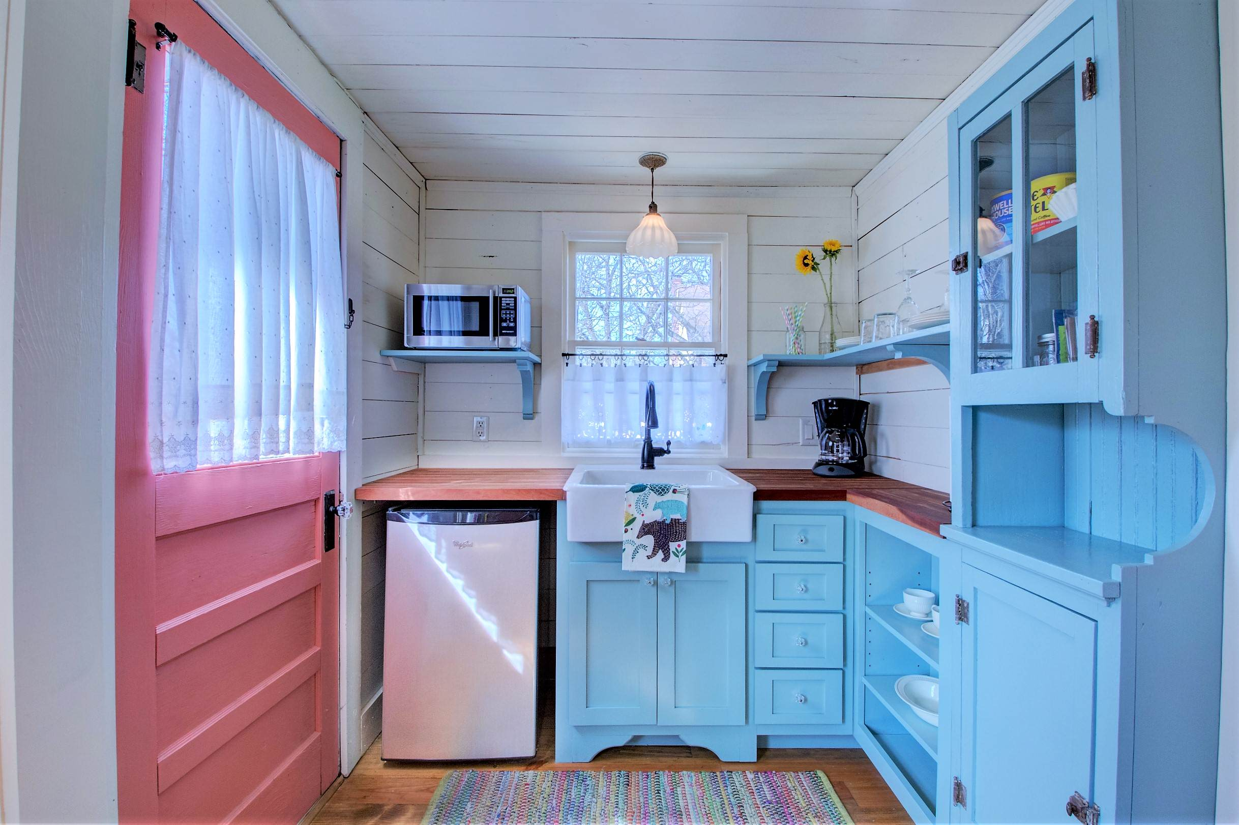 75 Beautiful Small Purple Kitchen Pictures Ideas April 2021 Houzz