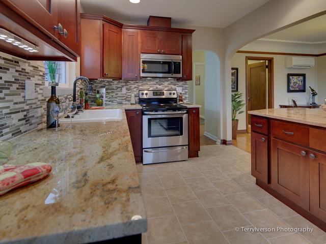 1933 portland craftsman home craftsman kitchen for Portland craftsman homes