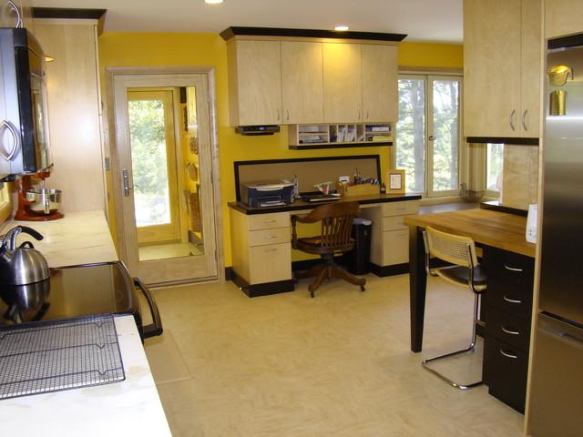 1950's Ranch House Kitchen Remodel - Midcentury - Kitchen - portland ...