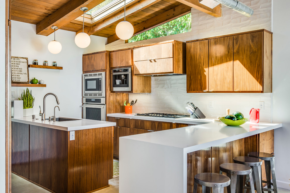 Mid-sized 1960s kitchen photo in Los Angeles