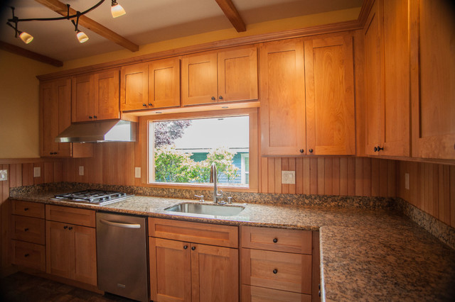 1L Natural Maple Shaker Kitchen Cabinets - Contemporary ...