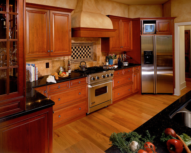 2001 Showcase traditional-kitchen