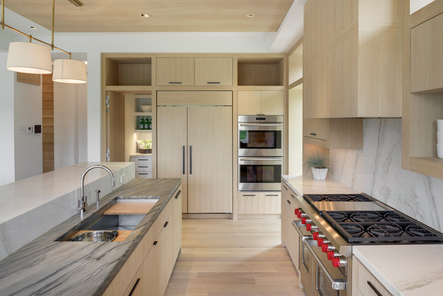 2015 midwest home luxury home 4 john kraemer sons for Midwest kitchen and bath
