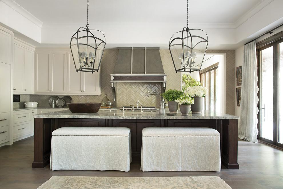 Kitchen photo in Atlanta
