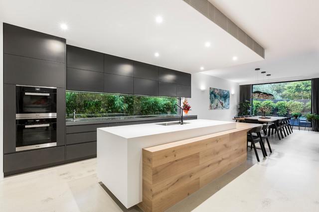 2018 Gold Award - Residential Landscape Design >150m2 contemporary-kitchen