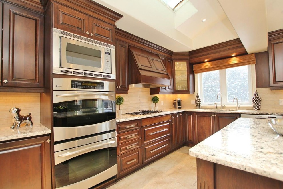 Inspiration for a timeless kitchen remodel in Ottawa