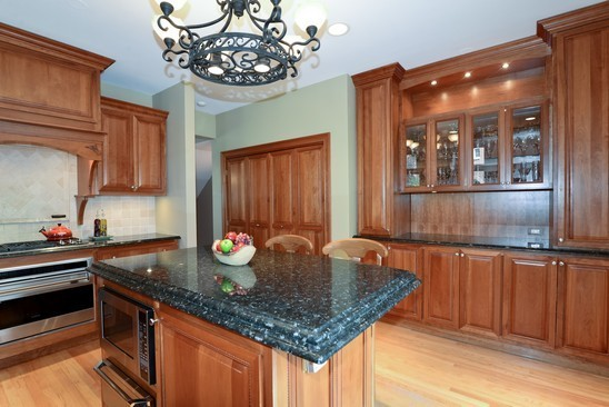 2040 Lincoln traditional-kitchen