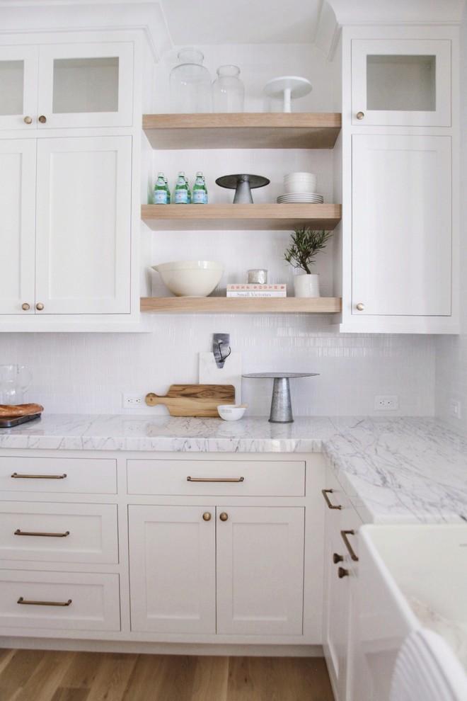Kitchen - transitional kitchen idea in Salt Lake City