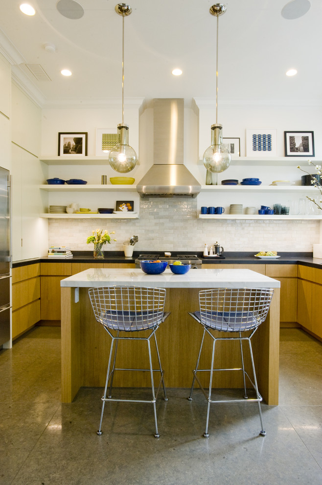 Inspiration for a modern kitchen remodel in San Francisco with stainless steel appliances