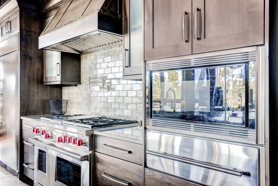 Kitchen - transitional kitchen idea in Denver