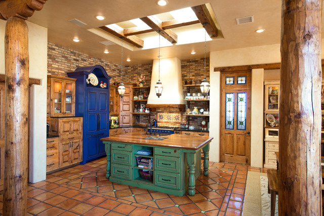 3929 Loma Bella Las Cruces Nm Southwestern Kitchen Austin By Classic New Mexico Homes