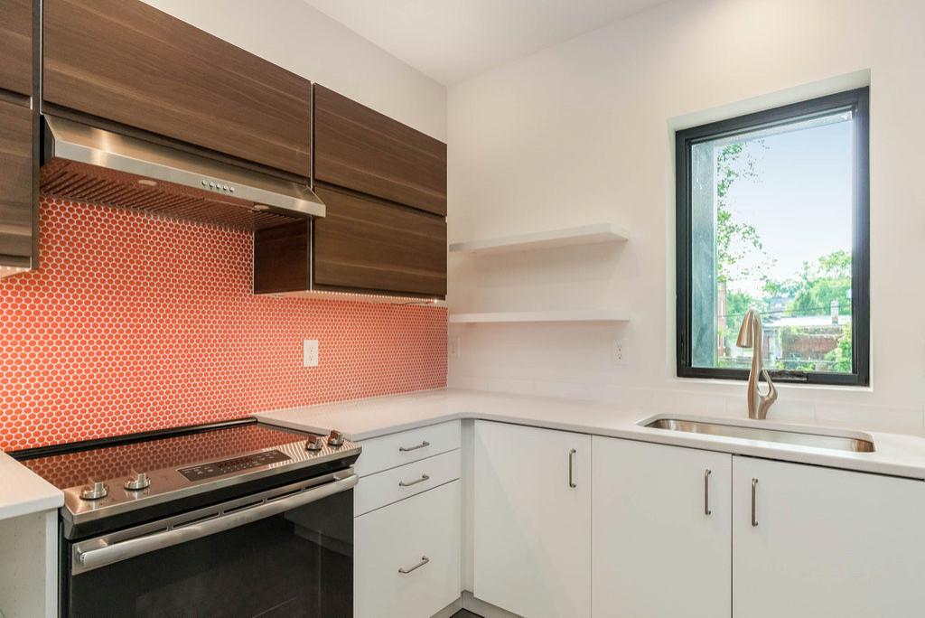 4030 Forest (kitchen)