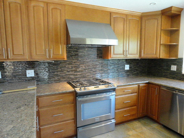 5D Honey Maple Arched door Kitchen - Traditional - Kitchen ...