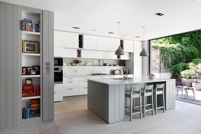 London, UKのトランジショナルスタイルのキッチンの写真