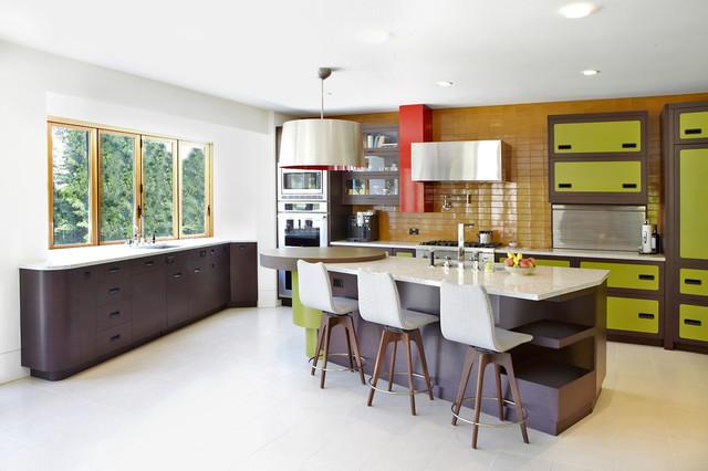 70\'s inspired kitchen