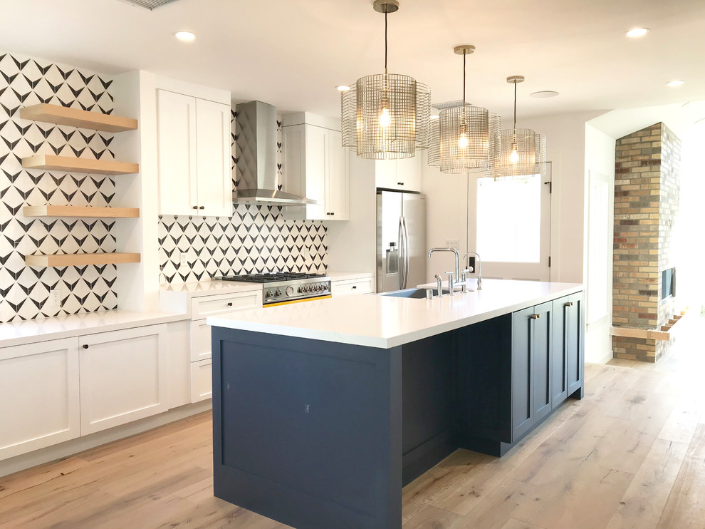 Inspiration for a modern kitchen remodel in Los Angeles