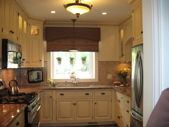 8th Steet traditional-kitchen