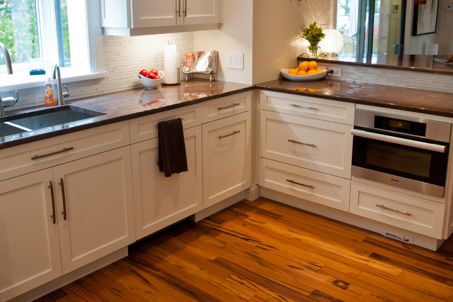 A & R Cabinetry Ltd Charlottetown Renovation contemporary-kitchen
