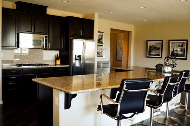 High flying bachelor pad contemporary kitchen for Bachelor pad kitchen ideas
