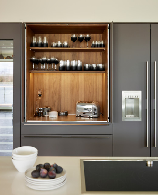 A bulthaup b3 kitchen in a lakeside home contemporary for Bulthaup kitchen cabinets