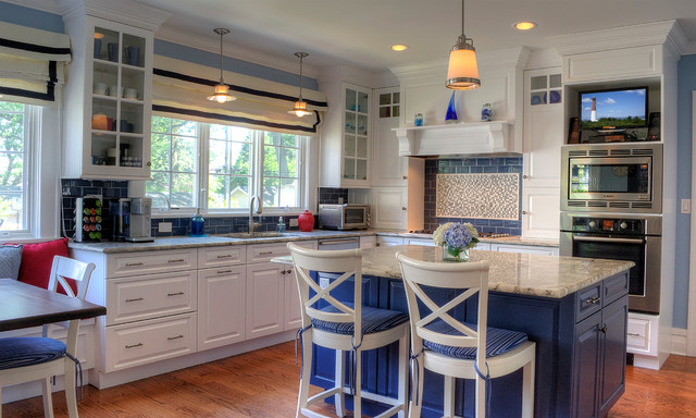 Kitchen   Traditional Kitchen Idea In Newark With Raised Panel Cabinets,  White Cabinets,